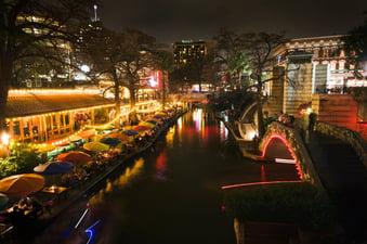 SanAntonio.RiverWalkatNight.jpg